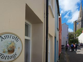 Child Friendly Holiday Cottage - Amroth Cottage, Tenby