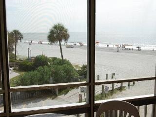 Pelican's Watch Condo Rental in a Great Location and with a Jacuzzi, Myrtle Beach