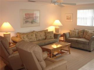 2BR steps to the beautiful azure and turquoise waters -Villa 37, Siesta Key