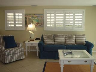 2BR unbelievably close to blue waters of the Gulf - Villa 5, Siesta Key