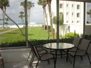 2BR located on the best beaches in southwest Florida - 9 North, Siesta Key