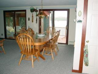 Moultonborough 4 BR, 2 BA House (410)