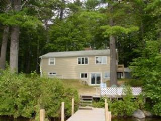 Idyllic 3 Bedroom & 1 Bathroom House in Moultonborough (310)