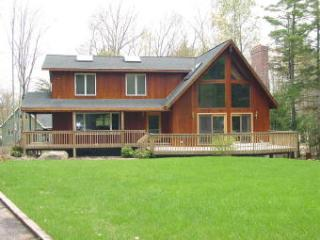 Ideal 4 BR-4 BA House in Moultonborough (125)