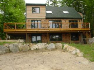 Moultonborough 3 Bedroom-2 Bathroom House (517)