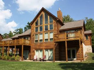 Mountain Top Lodge, McHenry