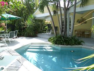South Street Cottage: Bright & sunny in the Casa Marina district, Key West