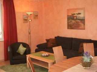Vacation Apartment in Nuremberg - 807 sqft, spacious, beautiful, bright (# 2545), Núremberg