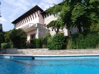 Lake Maggiore lakefront villa with pool and beach, Belgirate