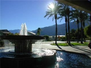 Deauville Comfort 2-bedroom  0305, Palm Springs