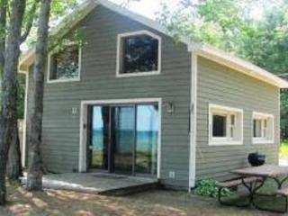Dancing with Waves - East Tawas vacation rentals