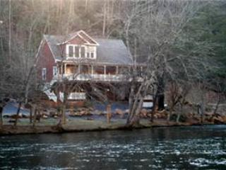 Above The River - Sylva vacation rentals