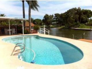 Awesome Waterfront Pool Home, Cocoa Beach