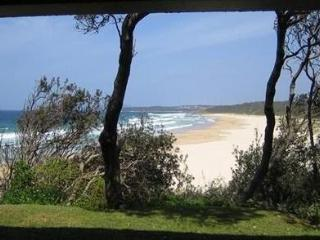 2 BR self-contained apartment absolute beachfront, Ulladulla