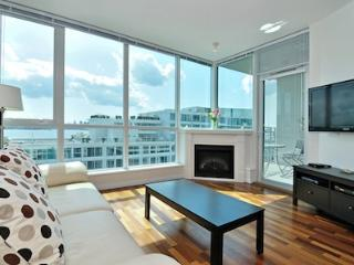North Vancouver 1 Bedroom  Ocean View Condo Close to All Amenities, Vancouver-Nord