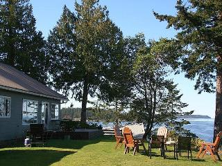 3 Bedorom Denman Island Ocean Front Vacation Home With Incredible View
