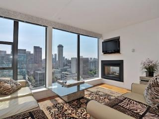 Downtown Vancouver 1 Bedroom Penthouse Condo in Coal Harbour Area