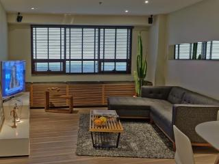 Stylish 1-BDR w/ Golf & CBD Views in BGC Fort - Boracay vacation rentals