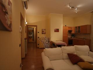Nice apartment in historic centre,lakeside area, Sarnico