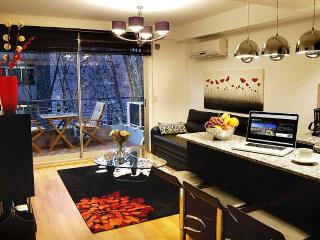 Best Block in Palermo Hollywood: 1BR / 1BA / 4 PPL, Buenos Aires