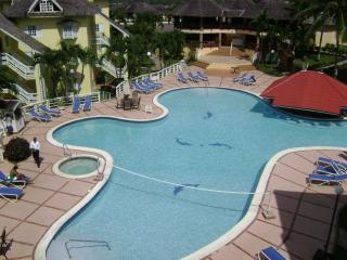 Condos at the Ridge - Premiere Suite, Ocho Rios