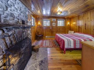 Knotty Pine Charming Cabin on 575 Acre Preserve, Milford
