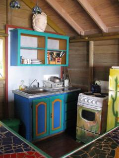 BARUKAMBA: fully equipped kitchen (fridge, stove, microwave, blender, coffee maker, ...) (12 m2)