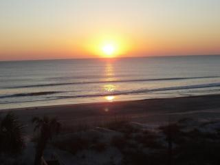 Right on the beach!!! Breathtaking views!, Fernandina Beach