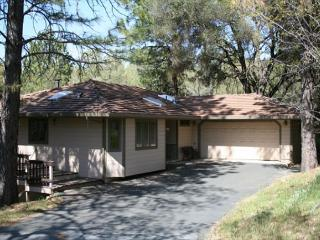 Great Location to walk to Lake Lodge Beach, Tennis Courts, and Playground, Groveland