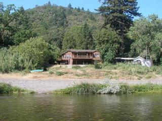 Luxury Vacation Home, Spa, Sauna, Kayaks, PingPong, Healdsburg