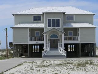 'Crews Quarters' Luxury Gulf Front Home w/pvt pool, Gulf Shores