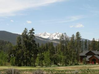 Pines #2151 - Great Clubhouse / Shuttle to Ski!, Keystone