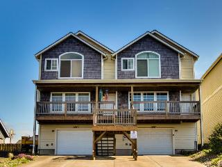 Beautiful oceanview, bayview townhouse close to everything, Newport