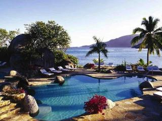 Luxury 4 bedroom Virgin Gorda, BVI villa. 180 degree panoramic views of the bay and surrounding islands!, Spanish Town