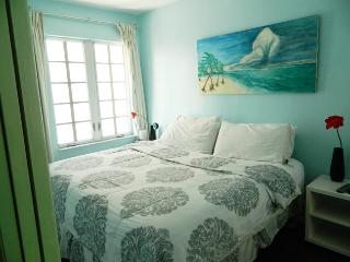 $115/nt -July Special sleep 4 Bchfrt apt#208 2bed/1bth Pets OK - Miami Beach vacation rentals