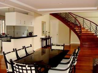 The Perfect Vacation Home in Tagaytay, Tranca