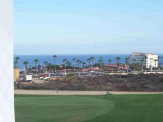Ocean + Golf View! - walk to beach & village, 2bd, San Jose del Cabo