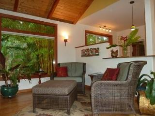 Romantic Cottage in a Secluded Tropical Garden, Pahala