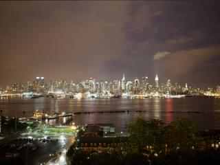 NYC Apartment from $157/n,10Min Away -Times Square, Weehawken