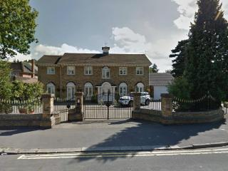 2 bed apartment in Havering, England, London