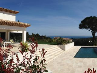 Villa Nartelle, Pet-Friendly Rental with a View of the French Riviera, Sainte-Maxime