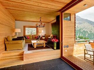 Contemporary Alpine Chalet Esprit with easy access to lift station, sauna & private chef, Saas-Fee