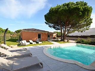 Near the Beach! Child-Friendly Villa Turquoise with Private Pool, Mountain View & Daily Maid, Calvi