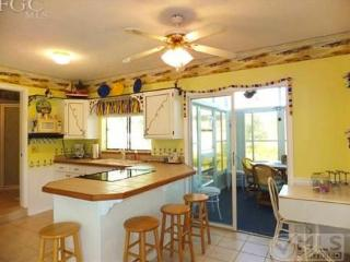 Charming Beach Cottage, Fort Myers Beach