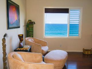 Alii Kai 5102: Oceanfront views from every room, upgraded luxury 1br., Princeville