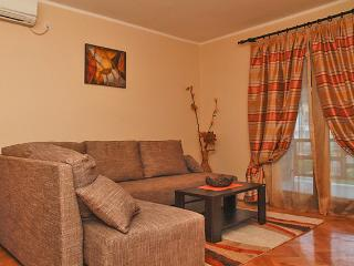 Nice and cozy apartment, Budva