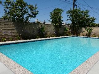 Beautiful Pool Home .5 mile Across Disney(3 bath), Anaheim