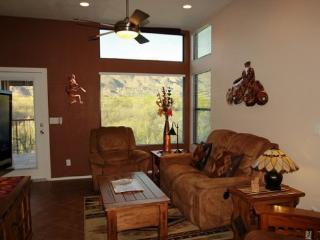 One Bedroom with One Bath and a Den. Enjoy Incredible Mountain Views at The Greens in Ventana Canyon!, Tucson