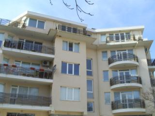 Holiday apartment in Balchik centre to rent