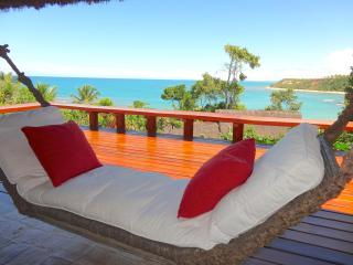 BAHIA BEACH HOUSE -Sea fronted in exclusive resort, Trancoso